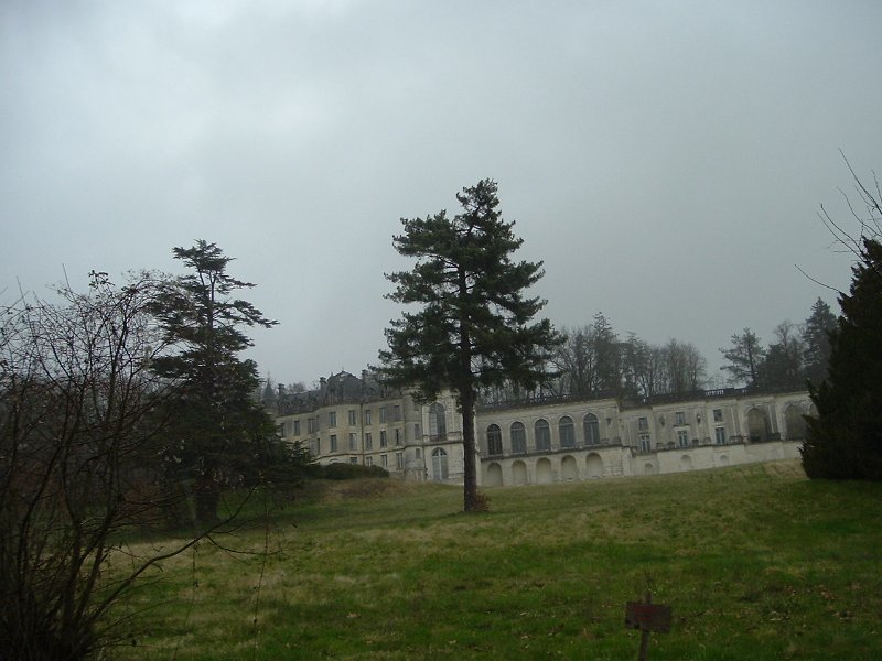 chateau-in-the-country
