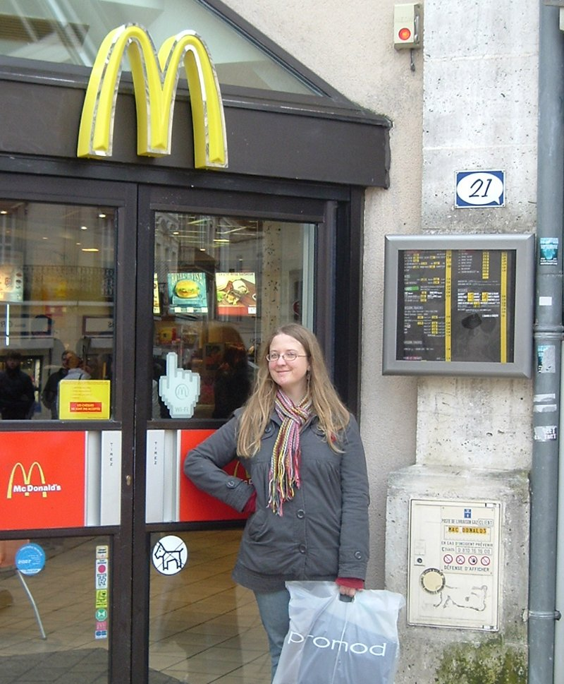 misty-posing-by-mcdonalds-in-angouleme